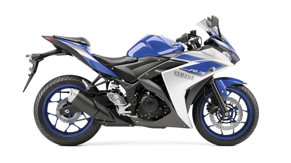 2015-Yamaha-YZF-R320-EU-Race-Blu-Studio-002